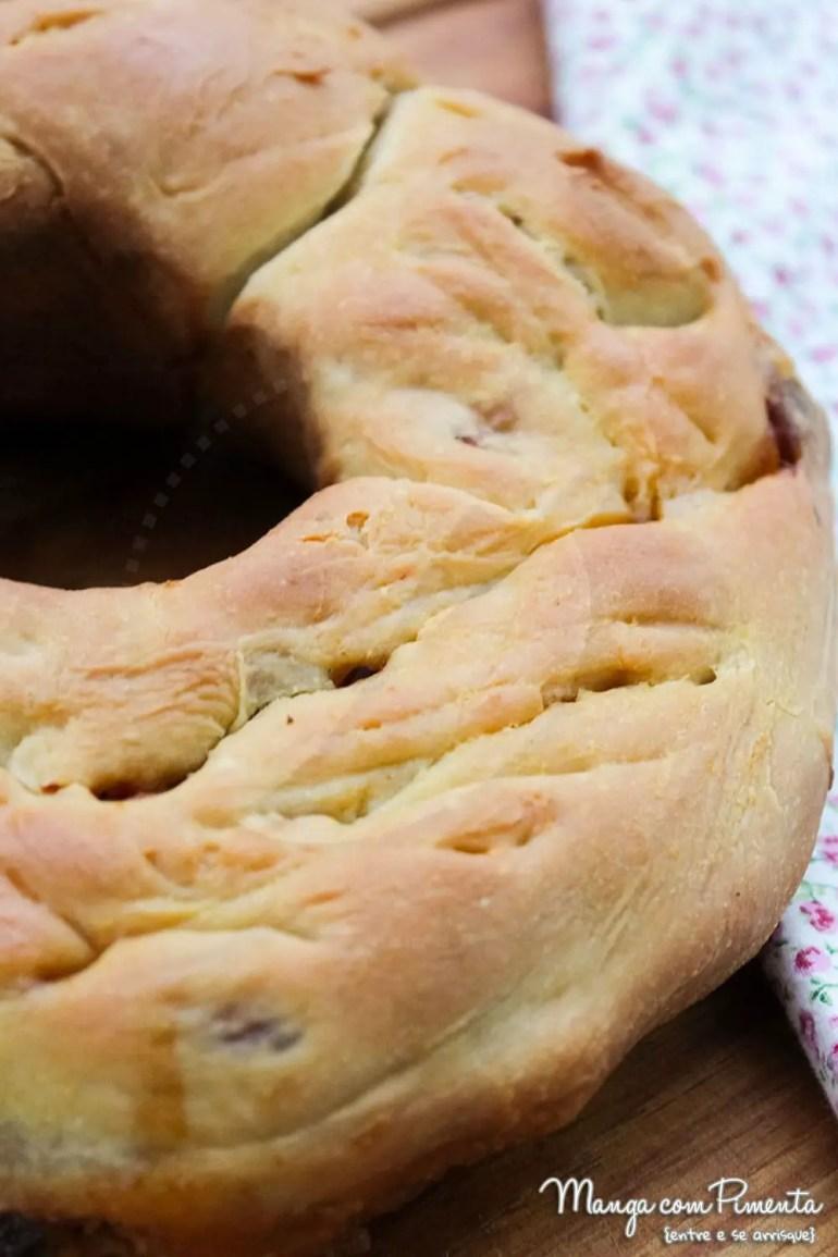 Receita de Pizza Rosca de Linguiça e Azeitonas Pretas