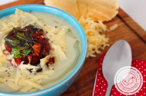Receita de Sopa Creme de Couve-Flor com Batata - um prato delicioso para aquecer o corpo e o coração no inverno!