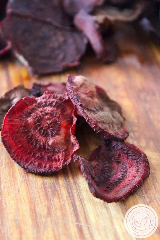 Chips de Beterraba | Troque os salgadinhos industrializados por esse petisco natural e que faz bem!