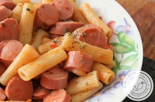 Macarrão com Salsicha | Almoço com gostinho de infância!