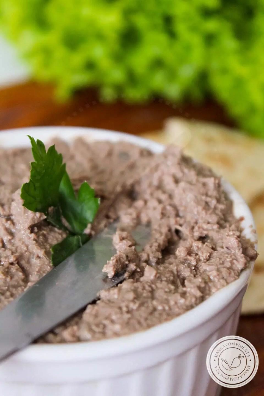 Patê de Fígado de Frango | Petisco delicioso e nutritivo, ótimo para criançada e para quem está grávida ou amamentando.