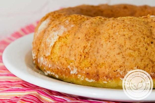 Bolo de Água - um delicioso lanche para o café da manhã ou da tarde, acompanhado com uma bebida quentinha!
