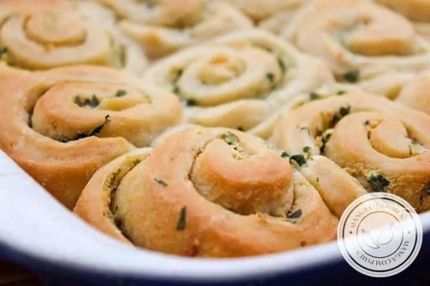 Pão de Alho Rolls - um lanche caseiro delicioso para o final de semana!