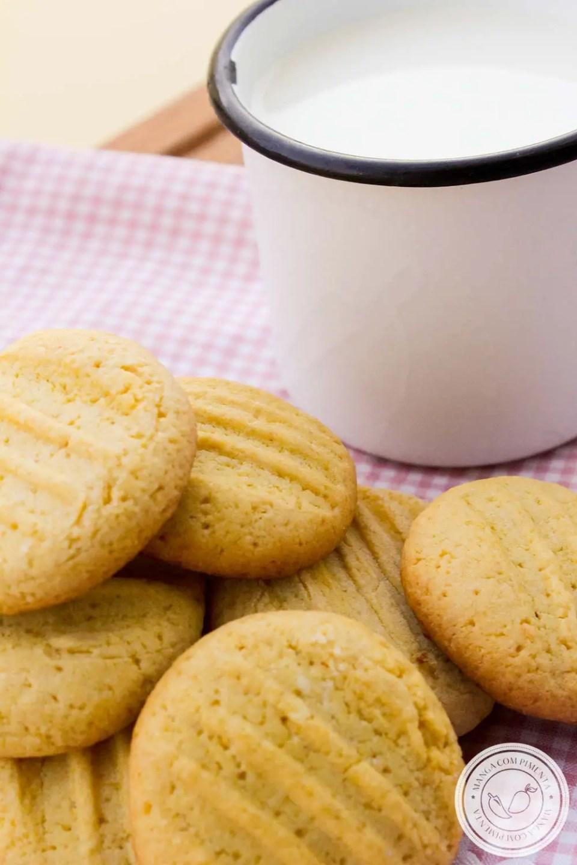 Biscoito de Fubá com Laranja - para beliscar sem parar na hora de tomar um chá quentinho!