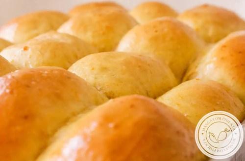 Receita de Pão Bisnaguinha de Cenoura - feito no liquidificador, um lanche gostoso para toda a família!