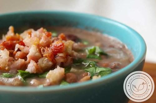 Receita de Feijão com Bacon - um prato para o dia a dia, cheio de sabor para as refeições da família!