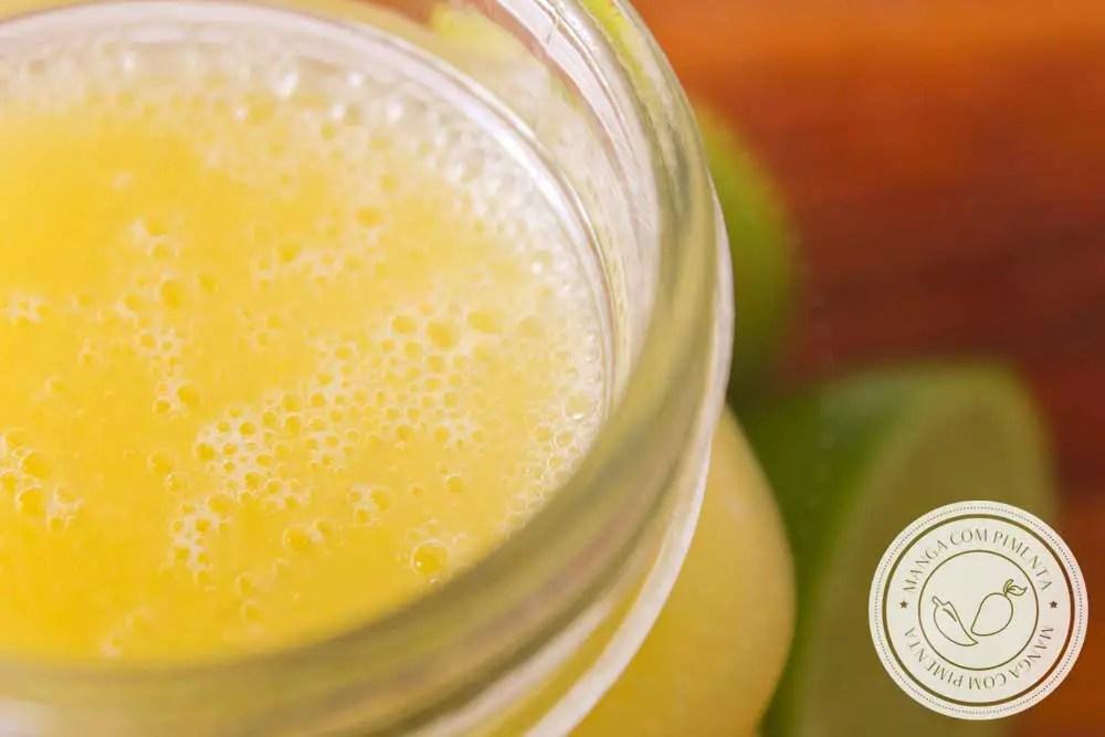 Receita de Limonada de Manga - uma bebida refrescante para servir aos seus convidados e família no verão!