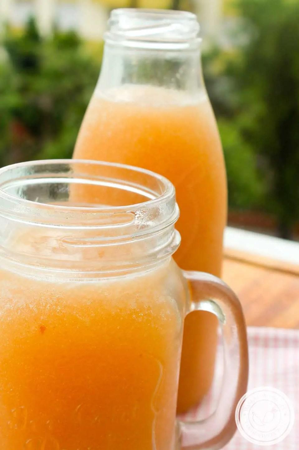 Receita de Limonada de Pêssego - uma bebida refrescante para os dias quentes de verão.