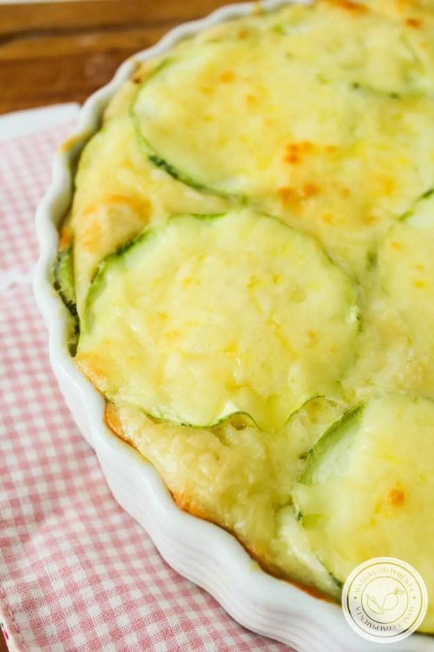 Receita de Torta de Abobrinha e Queijo - para uma refeição prática e gostosa para esse verão!