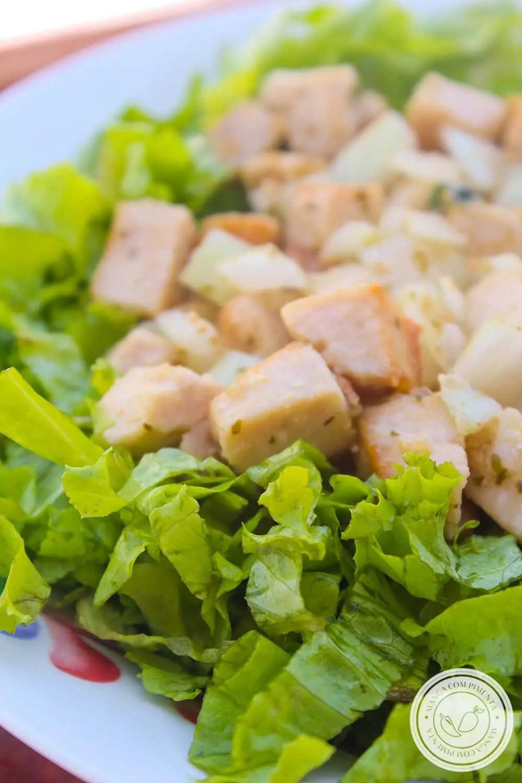 Receita de Salada de Frango com Alface - um prato delicioso para os dias quentes de verão.