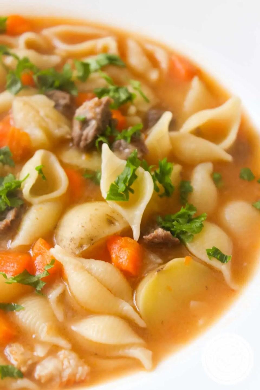 Receita de Sopa de Carne - compre aquela carne de segunda e faça uma sopa deliciosa para toda a família.