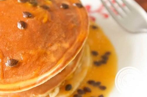 Receita de Panqueca Americana de Maracujá - para um café da manhã especial e com muito sabor!