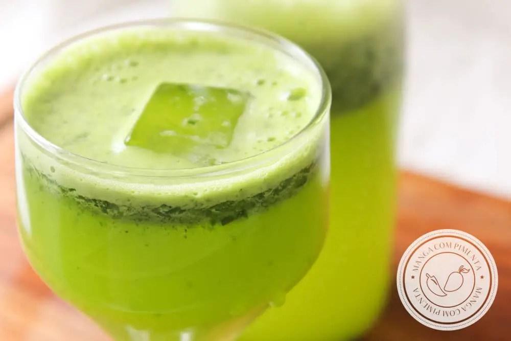 Receita de Suco Verde de Agrião com Laranja e Limão - uma bebida nutritiva para começar bem o dia!