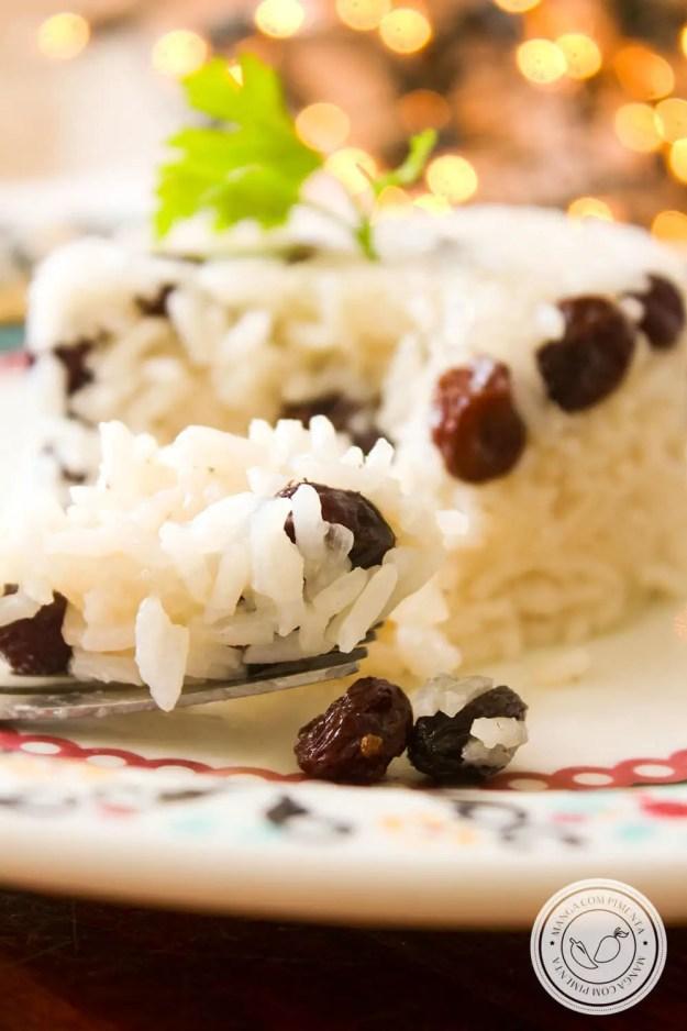 Receita de Arroz com Uvas Passas - para servir em dias de festas para os amigos e família.