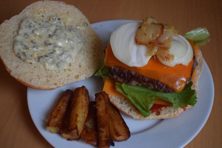 Cheese Burger sauce tartare (25 recettes de base à maîtriser) - cap cuisine