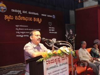 174 Dr Niranjan Vanalli, Professor, Dept of Journalism, University of Mysore addressing the Youth