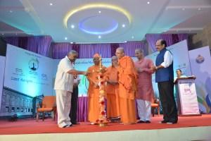 Sri Vijay Sankeshwar lighting the lamp
