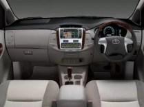 Toyota_Innova_Taxi2