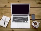 kancelar-pracovna-kava-telefon-notebook-ntb-diar