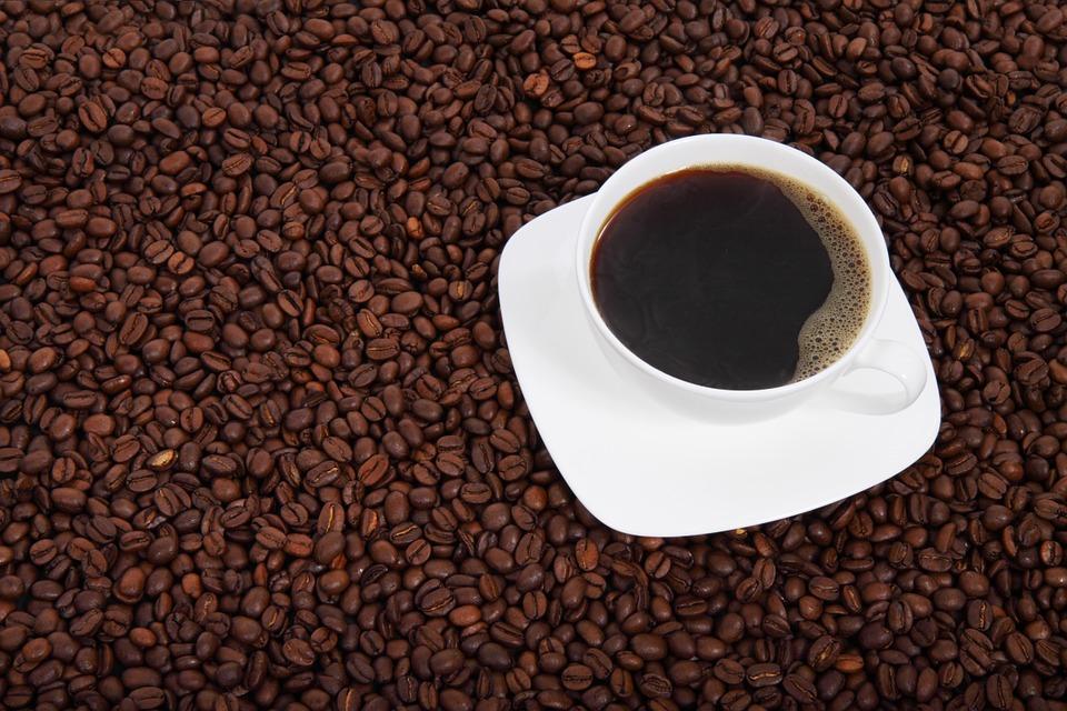 Jak se vyznat v nabídce domácích kávovarů