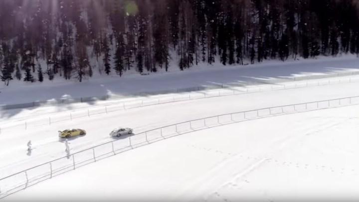 Tenhle videoklip ukazuje klasické a moderní Porsche, hory, lyže a holky!