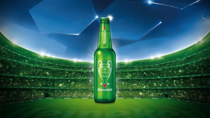 Heineken připravil limitovanou edici lahví s UEFA etiketou