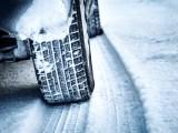 zimni-pneumatiky-snih-ilustracni