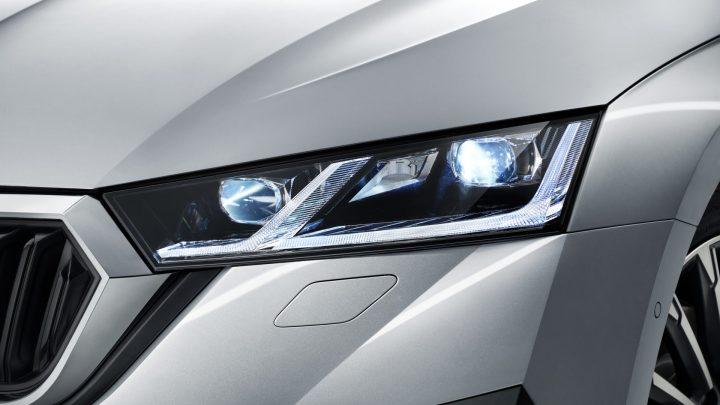 Matrix-LED světlomety pronikají do stále více modelů aut. Mají je už i škodovky