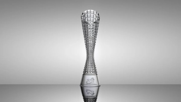 ŠKODA Design podesáté navrhl trofeje pro vítěze Tour de France