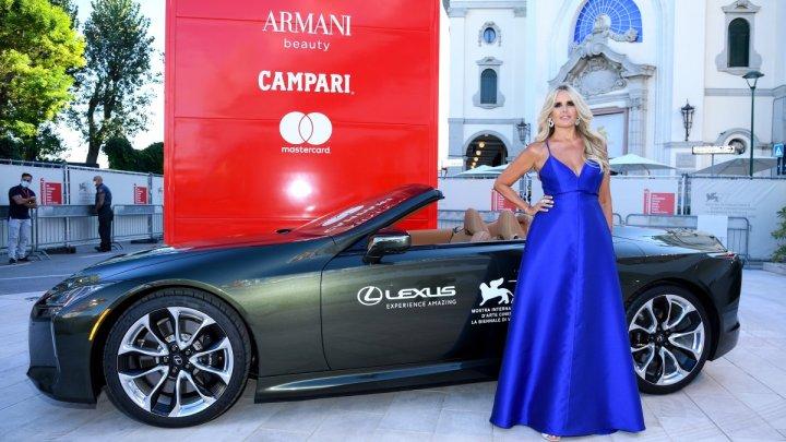 Filmový festival v Benátkách startuje opět s vozy Lexus