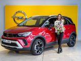 2021-Eva_buresova-a-Opel_Crossland- (1)
