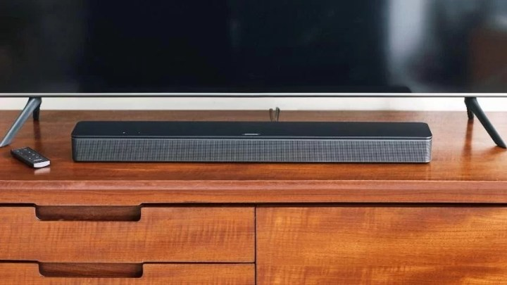 Bose Smart Soundbar 300 pro intenzivní prostorový filmový zvuk, hudbu i komplexní ozvučení domácnosti