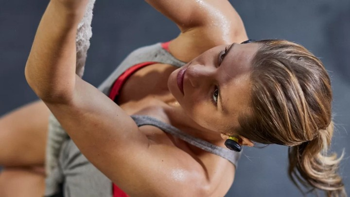 Tipy na sportovní sluchátka a audio brýle v různých cenových kategoriích