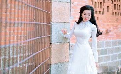 Dương Thủy – Một người mẫu người Bình Định tinh khôi với áo dài trắng