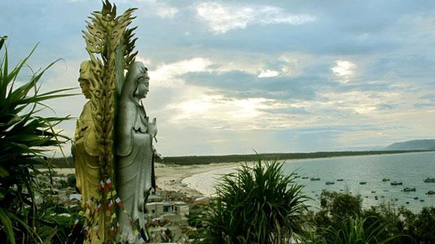 Đến Nhơn Lý – Quy Nhơn chiêm ngưỡng tượng Phật đôi