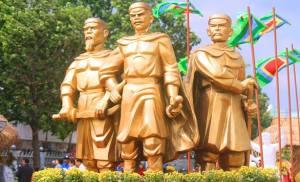 Tây Sơn tam kiệt: Nguyễn Nhạc, Nguyễn Huệ và…. Nguyễn Ánh !!??!?!?