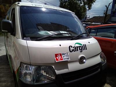 stiker-mobil-bandung-branding-cargill-mangele