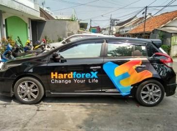 stiker-mobil-bandung-branding-yaris-hitam-hard-forex-mangele