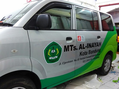 stiker branding mobil di bandung | call 081227722792 | apv mts inayah