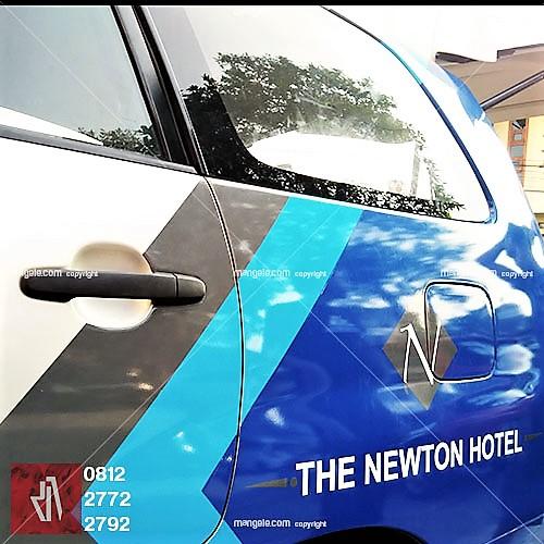 stiker mobil branding terbaik di bandung | hotel Newton | mangele pro 081227722792