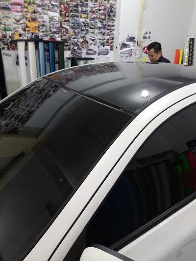 wrapping stiker mobil | atap hitam gloss | proton mangele stiker 081227722792