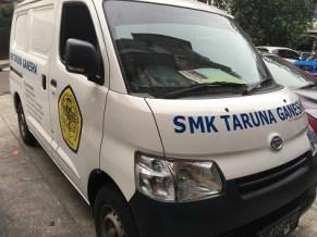 stiker-mobil-bandung-branding-granmax-smks-taruna-ganesha-mangele