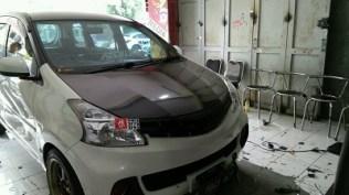 stiker-mobil-bandung-kap-mesin-carbon-avanza