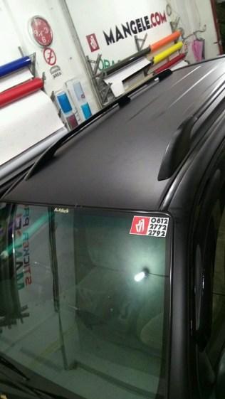 stiker-mobil-bandung-atap-fortuner-hitam-doff-mangele