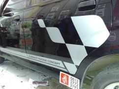 stiker-mobil-bandung-avanza-racing-flag-mangele