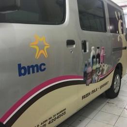 stiker-mobil-bandung-branding-bmc-mangele