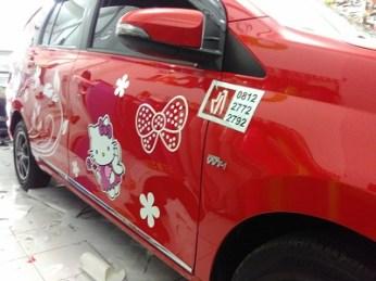 stiker-mobil-bandung-calya-hello-kitty-mangele