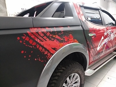 cutting stiker mobil | mitsubishi triton rally di bandung | mangele stiker 081227722792