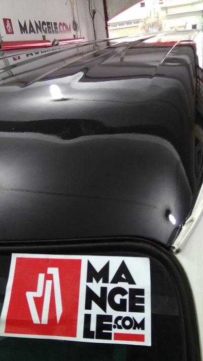 wrapping stiker mobil | atap luxio hitam gloss | mangele stiker 081227722792