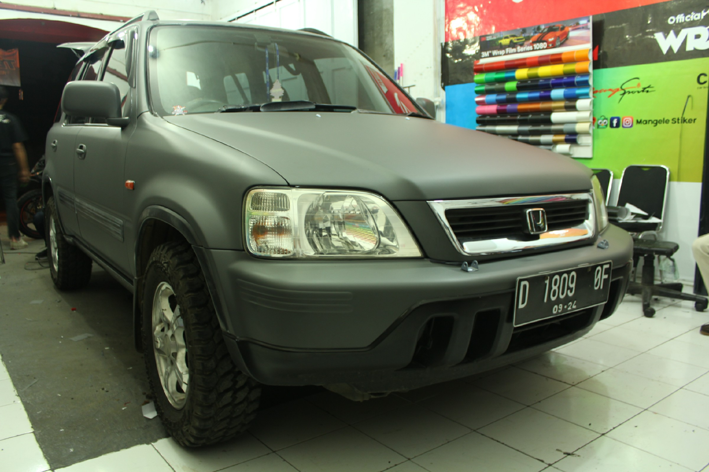 Wrapping Stiker Mobil | CRV Fullbody Dark Grey Doff | Mangele Stiker 081227722792